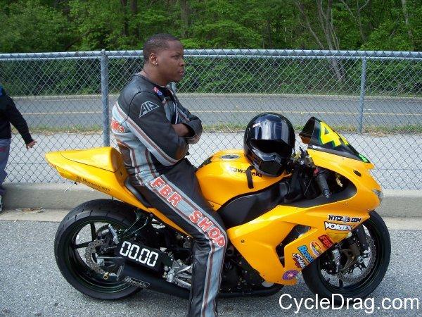 MIROCK yellow Kawasaki 1000