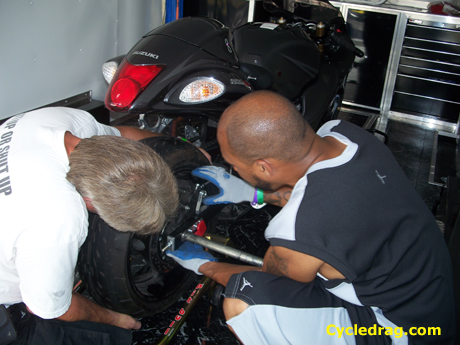 Hayabusa Tire Change
