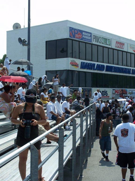 MIR Drag Racing Spectators