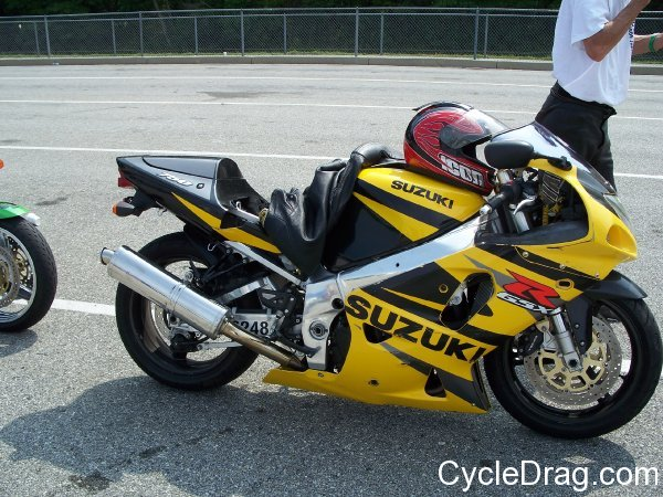 Black and Yellow GSXR 750 Drag Racing