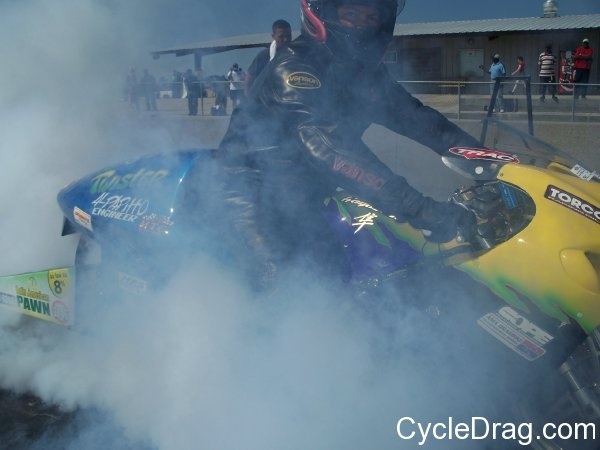 Smokey Dragbike Burnout