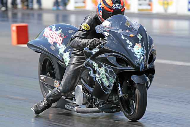 "The weekend's biggest Eastside Performance Grudge race matched Jeremy Teasley on Buck Burrough's HTP Performance-tuned ""Kingpin"" vs the ""Cold Water"" ZX14,"