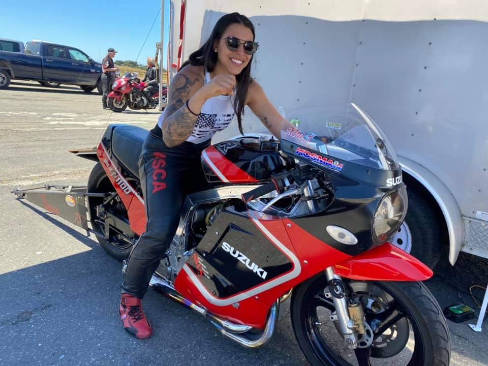 Female Drag Bike racer