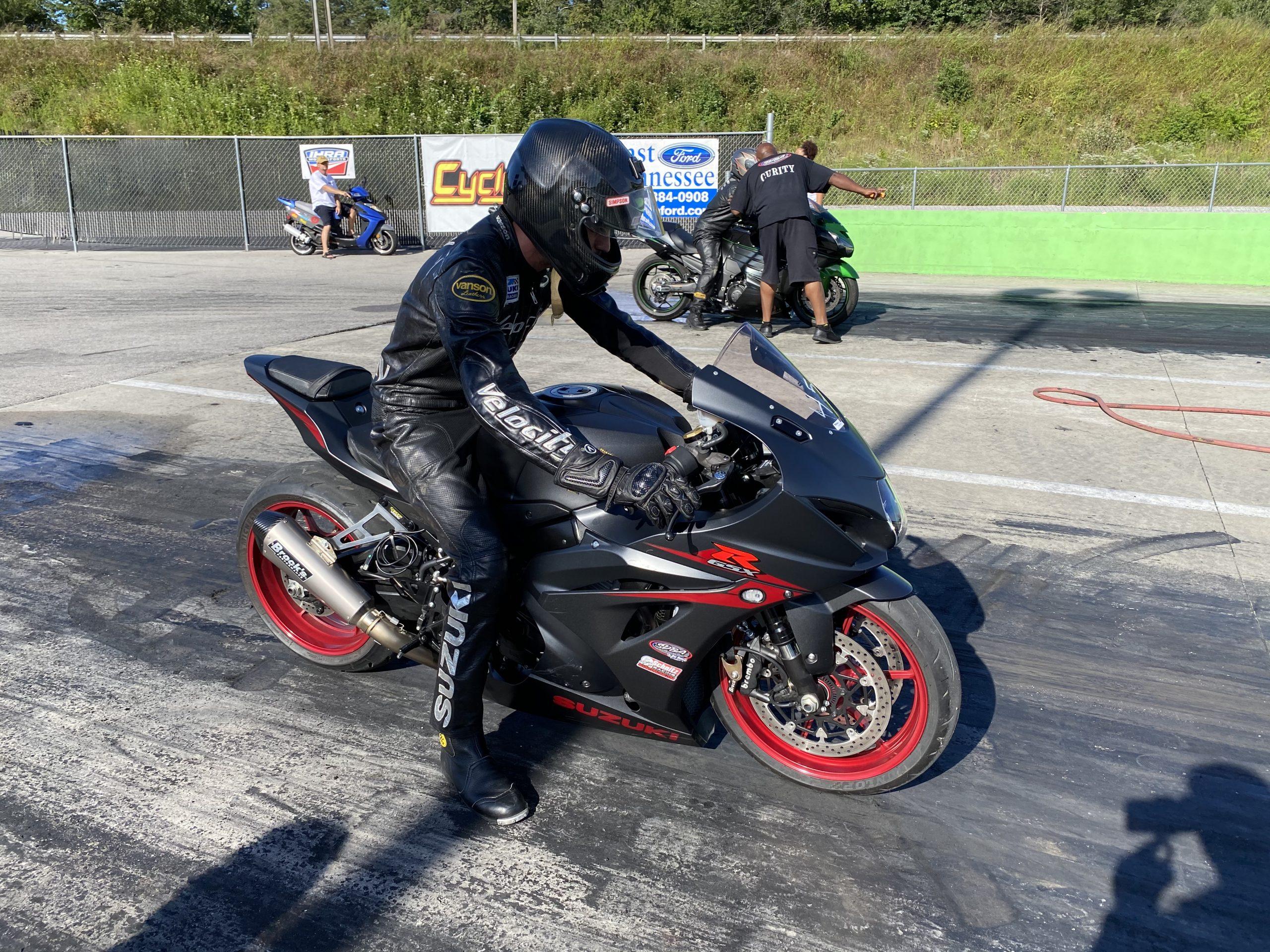 GSXR 1000 drag racing