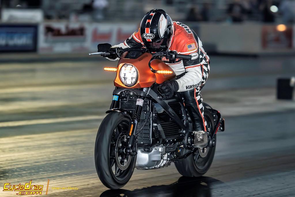 Harley Livewire Drag Racing